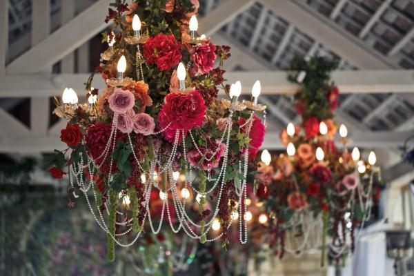 wedding planner, bruiloft eventbureau, Bruiloft decoratie, styling, bloemstyling, wedding styling, thema bruiloft, Moulin rouge, decoratie trouwdag, romantische styling, decoration heroes