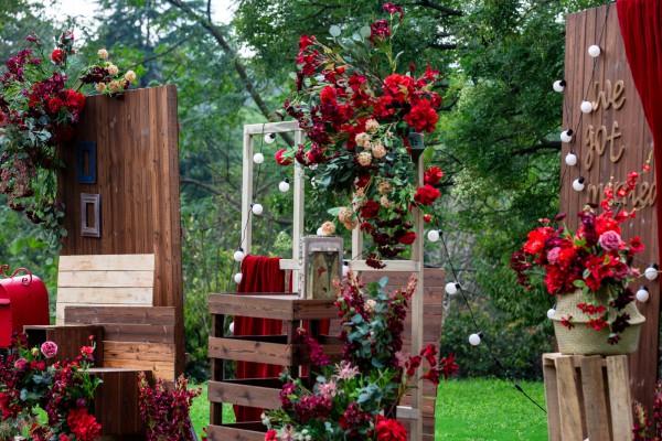 Bruiloft decoratie, styling, bloemstyling, wedding styling, thema bruiloft, Moulin rouge, decoratie trouwdag, romantische styling, decoration heroes